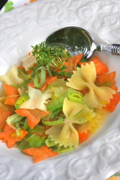 Schmetterlinge, Falter, Farfalle, Schmetterlingsnudeln, Frühling in der Suppenküche © Liz Collet
