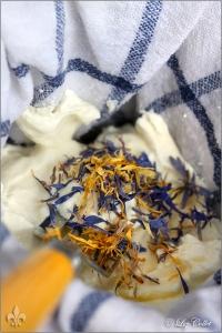 Kornblüten, Ringelblumen und Frischkäse © Liz Collet