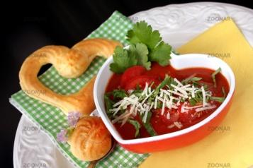 Tomaten-Paprika-Suppe © Liz Collet