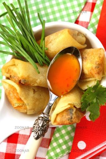 Asian Fingerfood Snack süss-sauer© Liz Collet