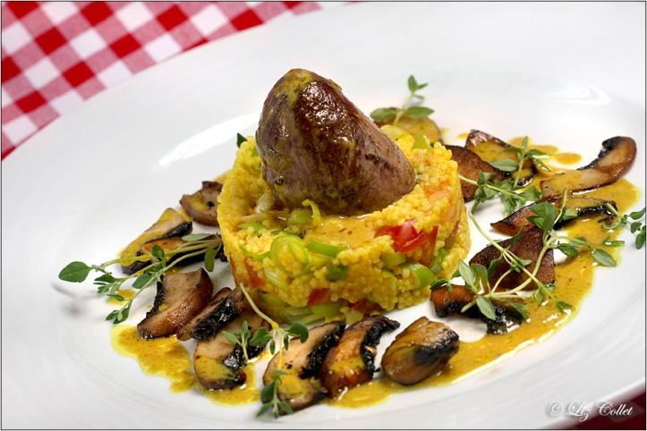 Geflügelherz,Hirse und Pilze mit Safransauce © Liz Collet