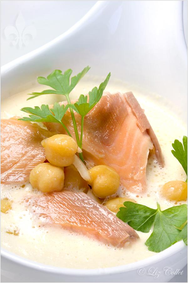 Rieslingsuppe, Weinsuppe, Kichererbsencreme, Räucherfisch, geräucherter Saibling,