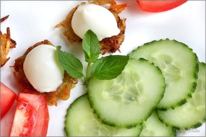 Mozzarella, Rösti und Salat © Liz Collet