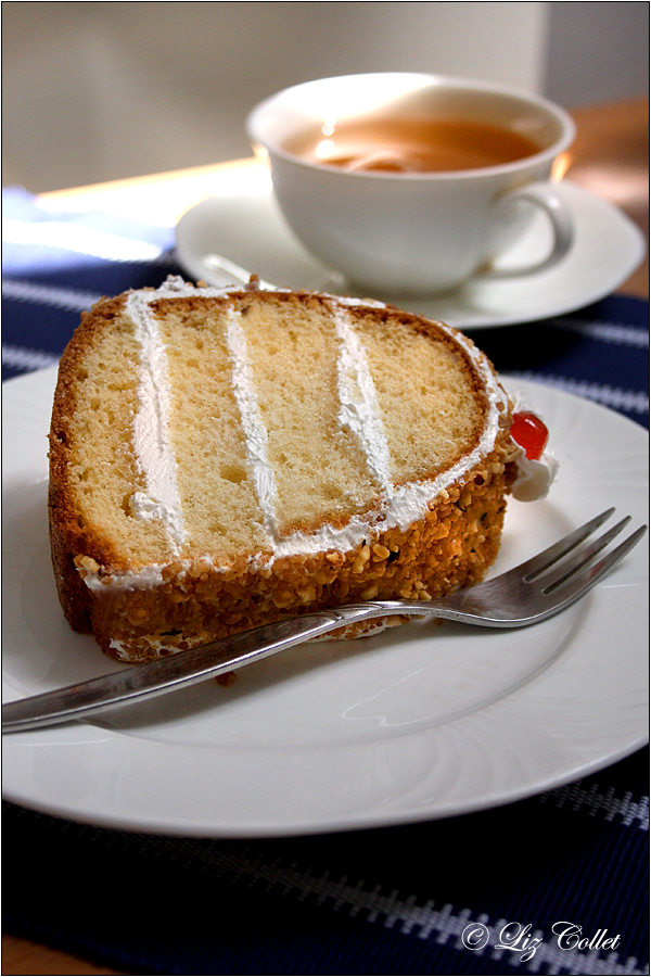 "Teatime mit Frankfurter Kranz © Liz Collet,""Couronne de Francfort"", ""Frankfurt Crown Cake"", Backen, Backhandwerk, Bäckerei, culinary photography, Dessert, Ernährung, essen, Food, Frankfurt, Frankfurter Kranz, gastronomie, Gebäck, Genuss, hausgemacht, Kondirotenhandwerk, Konditorenhandwerk, konditorhandwerk, Kranzkuchen, krone, Kuchen, Kulinarische Fotografie, Lebensmittel, linkedin, Liz Collet Culinary Photography, Nahrung, Nahrungsmittel, Produkt, süss, Stockfotografie, Symbol, Teatime mit Frankfurter Kranz © Liz Collet, Torte, Teatime mit Frankfurter Kranz © Liz Collet, Culinary Photography, Kulinarische Fotografie, Liz Collet Culinary Photography, Kondirotenhandwerk, Konditorhandwerk, Backhandwerk, Frankfurt, Krone, Symbol,"