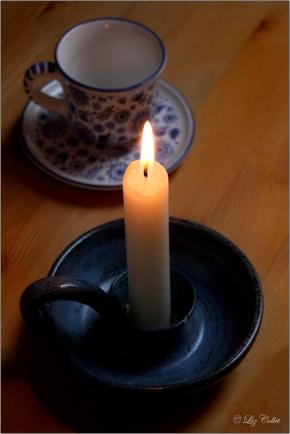 Licht, Kerzenlicht, espressotasse, Keramik, Keramikleuchter, Keramikkerzenhalter, Kerzenhalter aus Keramik, Tasse, © Liz Collet