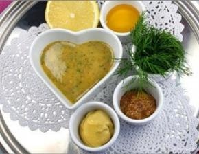 Hovmästarsås,Dill-Honig-Senf-Sauce © Liz Collet