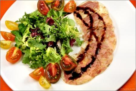 Sülze mit Salat © Liz Collet