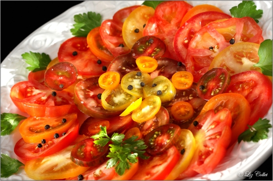 ochsenherztomate, tomaten, schale, kumato, kirschtomate, strauchtomate, rot, orange, gelb, grün, groß, klein, sorten, arten, bunt, vielfalt, gemüseschale, gemüse, obstschale, schüssel, fülle