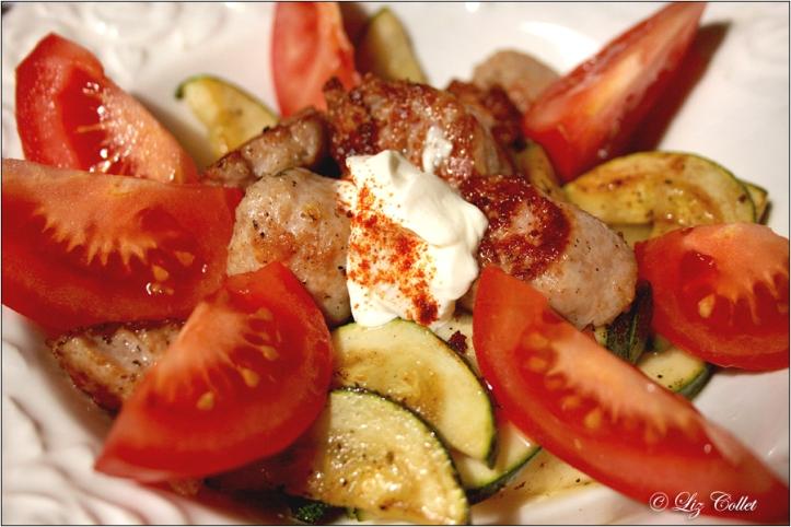 Zucchini-Tomaten-Gemüse mit Salsicce © Liz Collet
