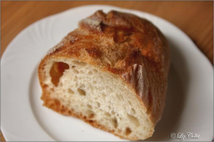 Brot.Zeit © Liz Collet, Ciabatta, Brot, Brotstange, Weizenbrot, italienisches Brot,