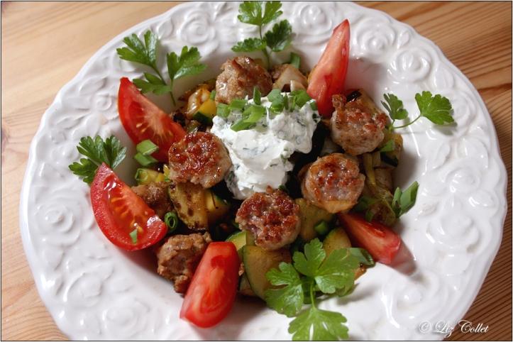 Gemüse mit Bratwurst © Liz Collet