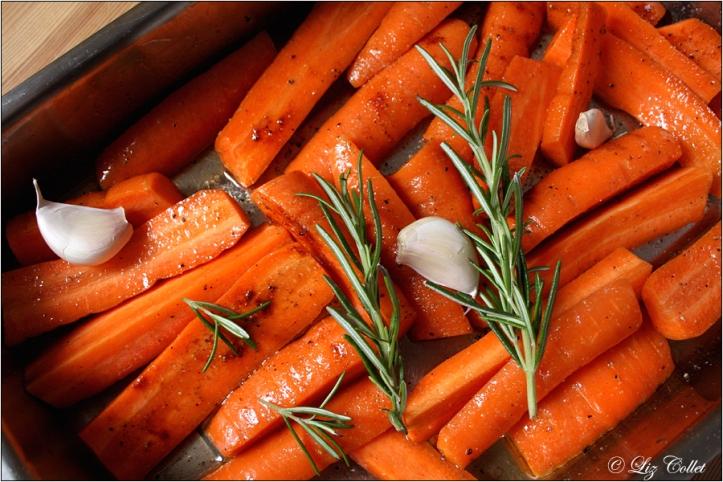 Gebackene Karotten mit Kräutern © Liz Collet