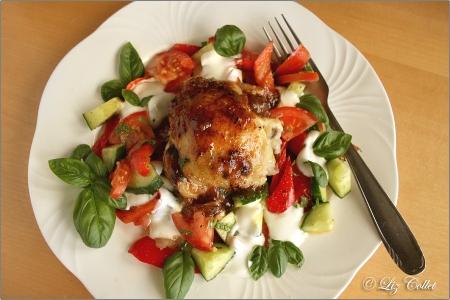 Geflügel auf Salat © Liz Collet